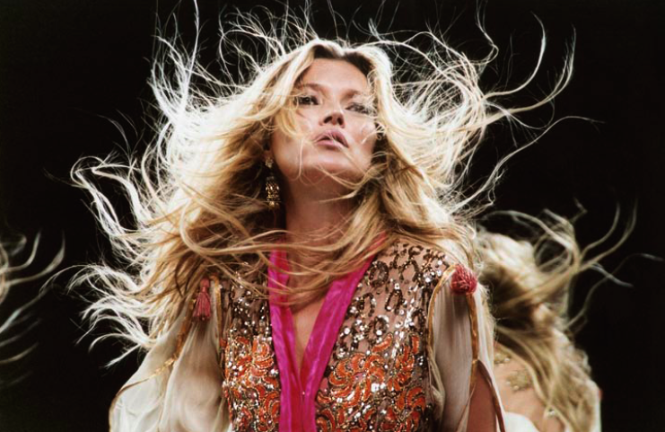 Immagine 41 KM3D. Il video di Kate Moss presentato da Altaroma