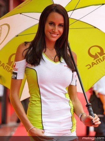 girl18 preview big2 CRONACA FASHION della MotoGp Mugello