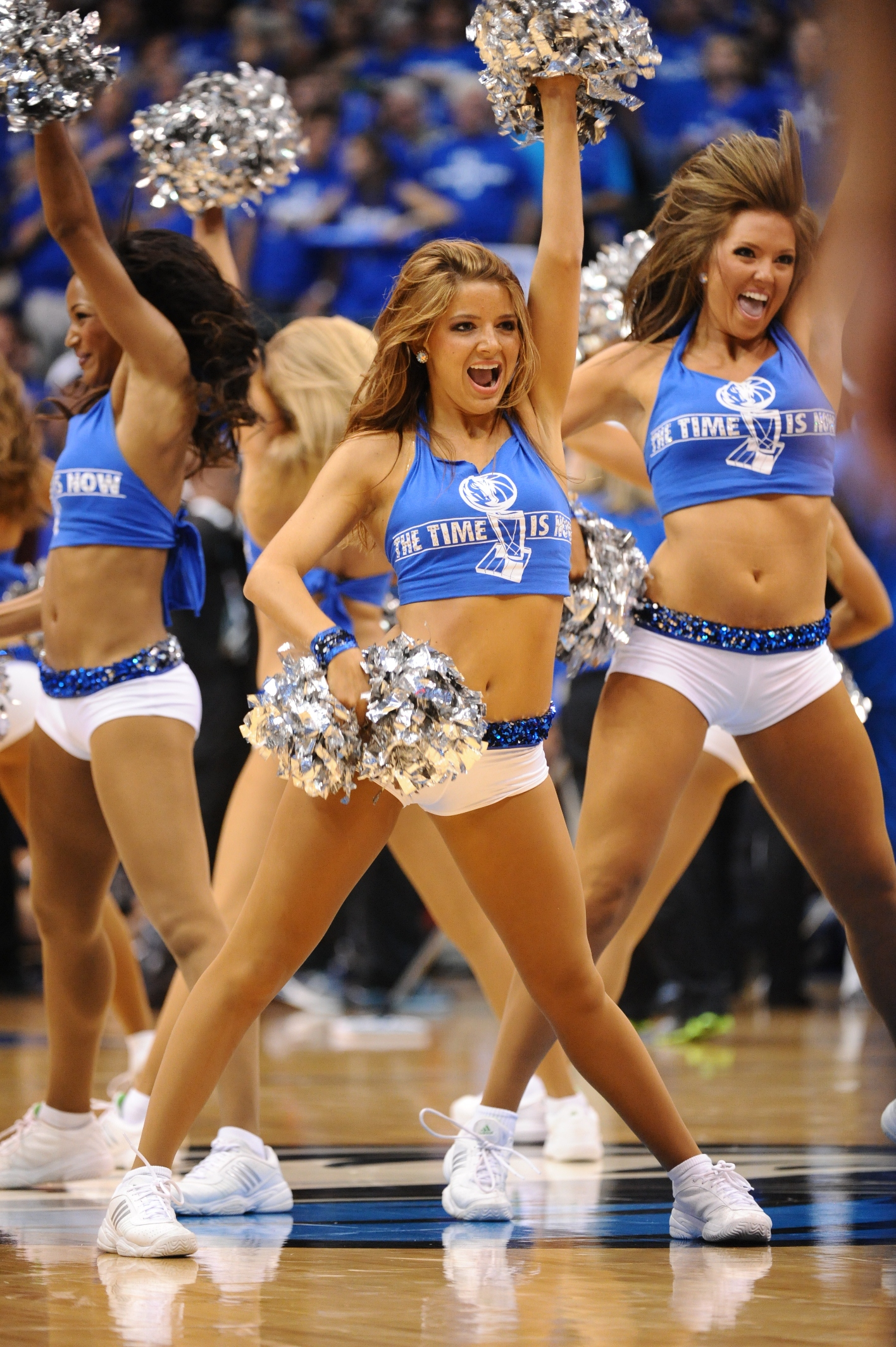 115548778 10 NBA FAN ZONE  domani a Milano, basket e cheerleaders!