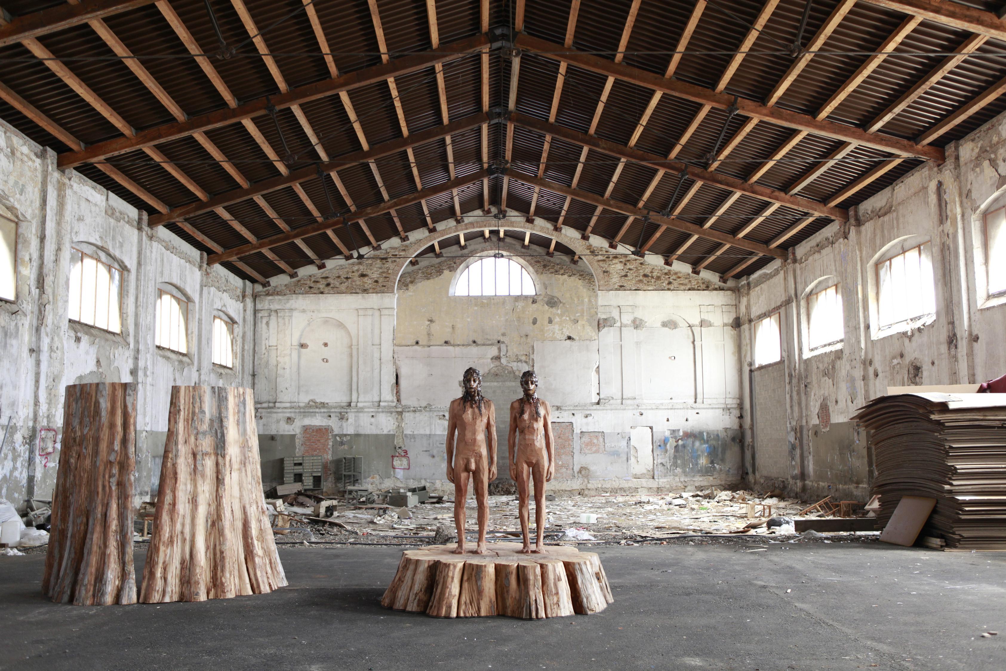 Aron Demetz Sequoia legno e resina di Pino. 2010 photo by Egon Dejori UNA CITTÀ A REGOLA D'ARTE   Cragg, Demetz e Guggenheim a Lucca