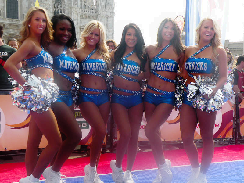 DSCN6331 NBA e Cheerleaders: il Basket americano allombra del Duomo