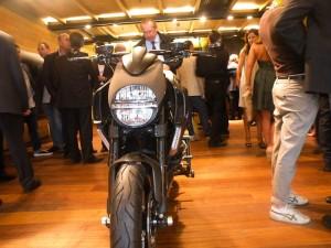 DSCN6431 300x225 PIRELLI CORSO VENEZIA   apre il primo flagship store