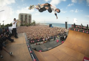 Quiksilver Tony Hawk 300x206 QUIKSILVER PRO NEW YORK