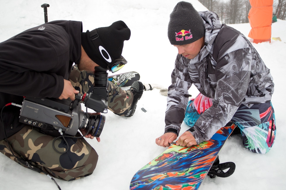 filming board THE ART OF FLIGHT   nuovo snowboarding film per Travis Rice