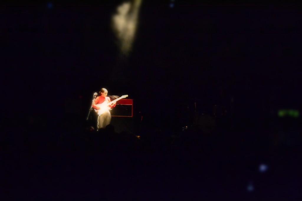 anna calvi 2 1024x682 ANNA CALVI   ieri sera live a Milano