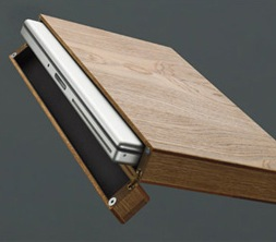 made by Rainer Spehl. This wooden laptop case WOOD DESIGN   legno e tecnologia