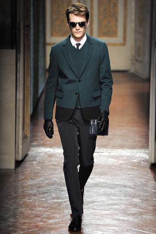 00190m VALENTINO   la Couture maschile debutta a Pitti