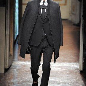 VALENTINO – la Couture maschile debutta a Pitti