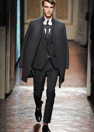 VALENTINO - la Couture maschile debutta a Pitti  1