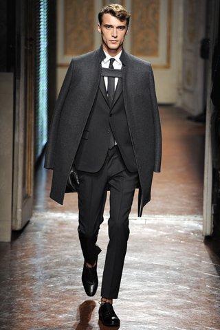 00260m VALENTINO   la Couture maschile debutta a Pitti