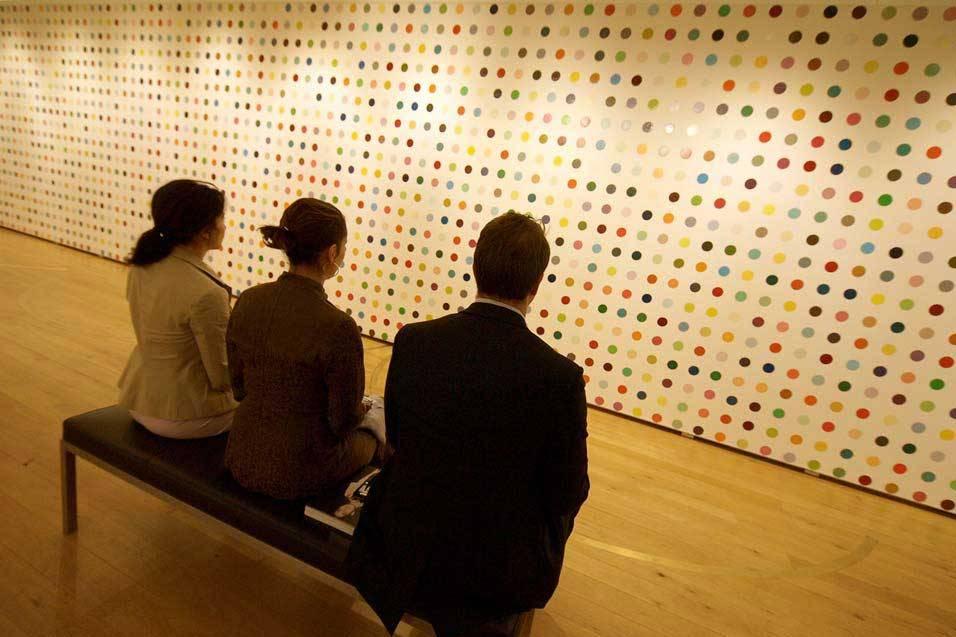 Damien Hirst Tyrosine 15n2 DAMIEN HIRST    Spot Paintings una mostra per 11 location