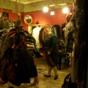 10 290x290 PRANGSTA   Boudoir themed showroom
