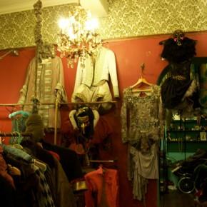 6 290x290 PRANGSTA   Boudoir themed showroom