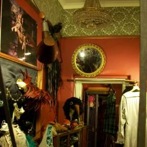 7 290x290 PRANGSTA   Boudoir themed showroom