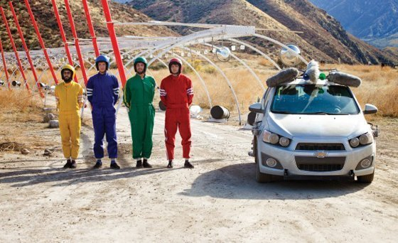 OK GO - un auto suona in Needing/Getting 4