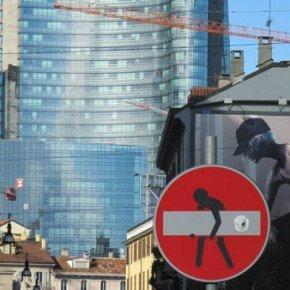 CLET ABRAHAM – fate attenzione ai cartelli stradali