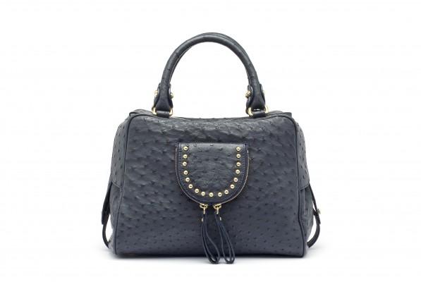 MG 4841 copy 597x400 ALIBI   la borsa come compagna di viaggio
