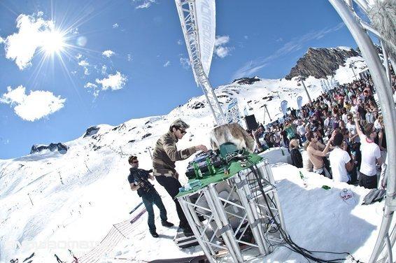 WANGL TANGL & SNOWBOMBING - i music festival sulla neve 3