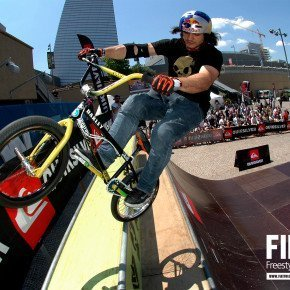 ALEX BARBERO – BMX e acrobazie freestyle