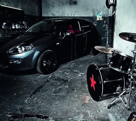 prodotto 1 451x400 ALL YOU NEED IS ROCK. PUNTO   Ringo e Giulia Salvi per Fiat
