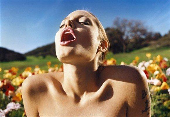 Angelina Jolie David LaChapelle 650x447 581x400 DAVID LACHAPELLE   in mostra a Lucca fino a Novembre