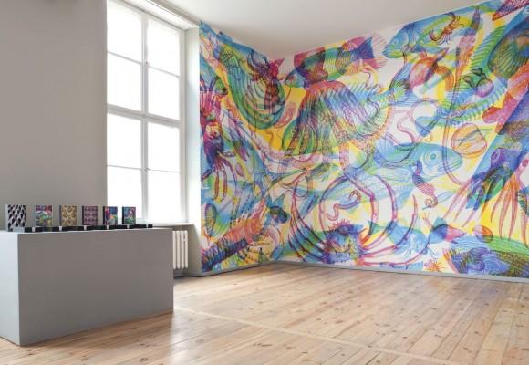 carnovsky installation 2 580x400 CARNOVSKY   un mondo in tricromia