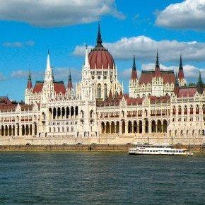 BUDAPEST – Danubio e Musica