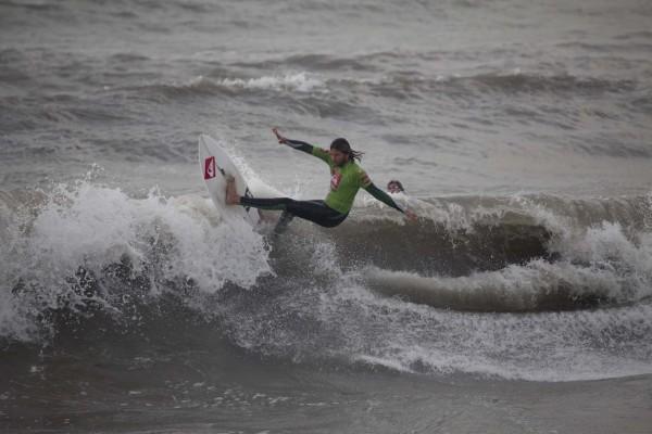alessandro clinco 600x400 QUIKSILVER VERSILIA SURF TROPHY   waiting period dall 8 settembre al 1 novembre