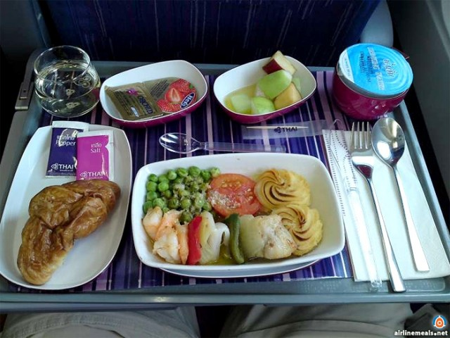 motw 2011 wk18 E Thai Airways International 01 e1343912653657 AIRLINE MEALS   porzioni singole tra le nuvole