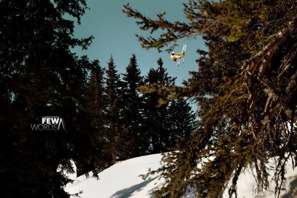 Quiksilver Few Words Candide Thovex credits Elmar Strotmann with logo Large 600x400 FEW WORDS   Candide Thovex porta lo sci al cinema