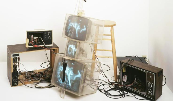 nam june paik in italia art exhibition in modena tv sculpture NAM JUNE PAIK   capire la videoarte. A Modena