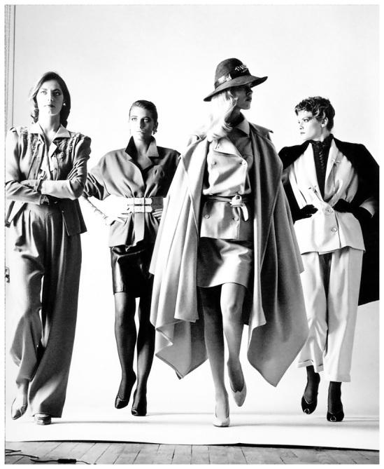 009 NUDES   da Helmut Newton a Vuitton