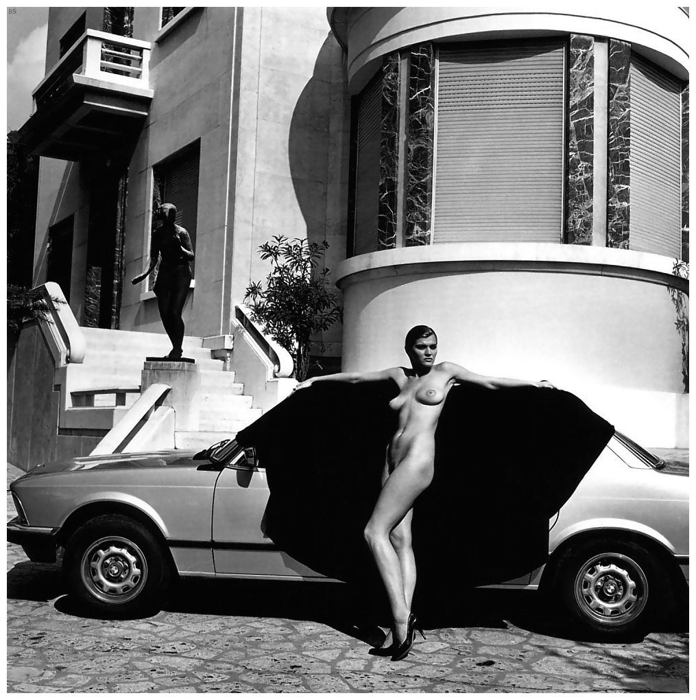 photo by helmut newton brescia 1971 NUDES   da Helmut Newton a Vuitton