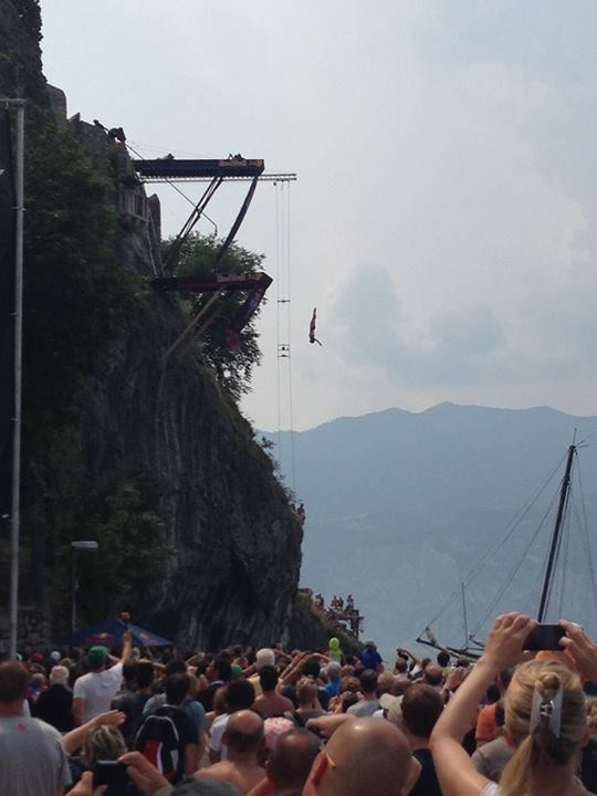 66034 603414173013467 1636824204 n CLIFF DIVING 2013   Red Bull ti mette le ali!