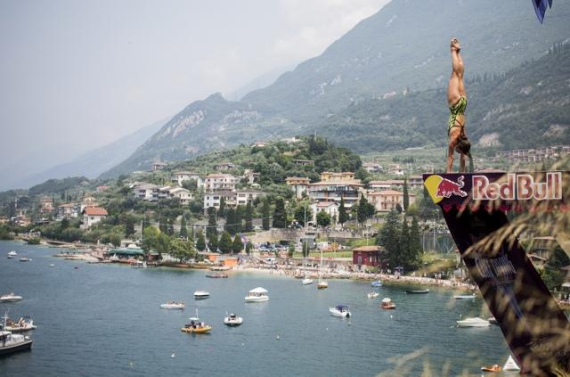RBCD Malcesine 2013 Anna Bader7 CLIFF DIVING 2013   Red Bull ti mette le ali!