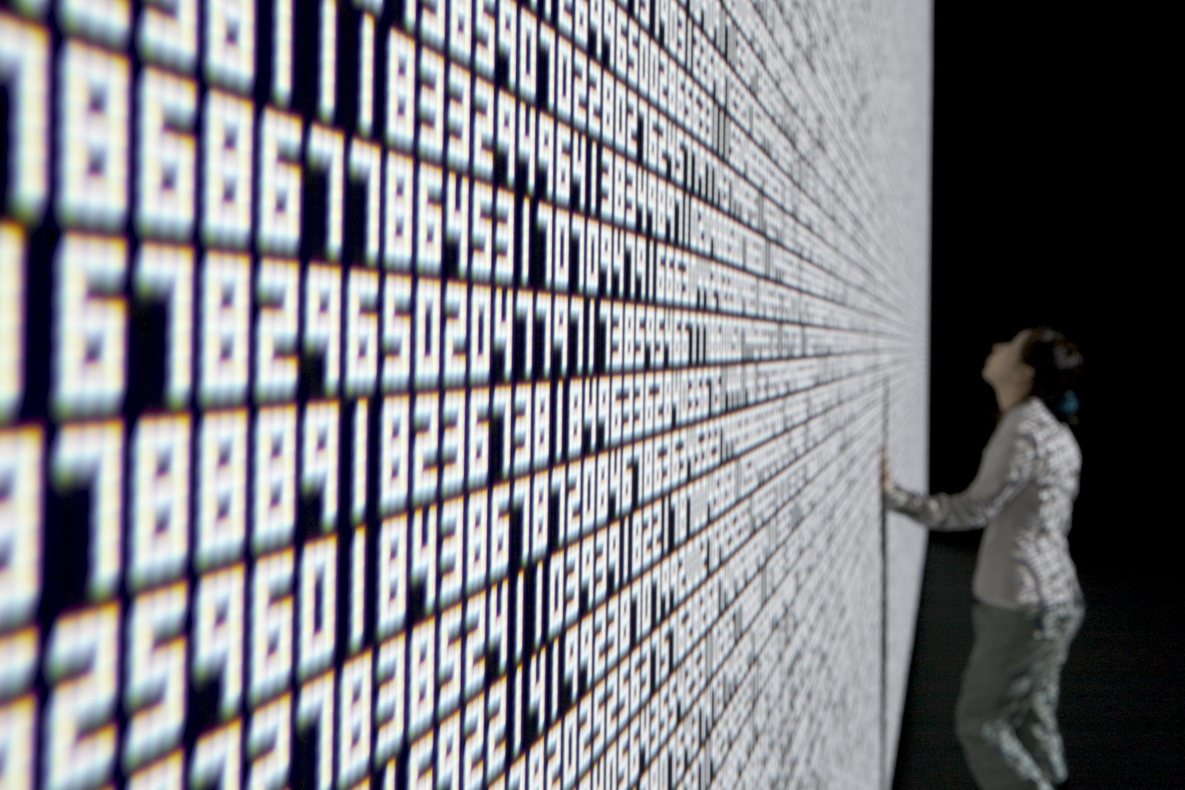 ryoji ikeda datatron 11 RYOJI IKEDA   Crossover sensoriale