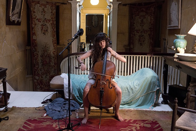 cellist IMMERSIONE EMPATICA   Ragnar Kjartansson @HangarBicocca