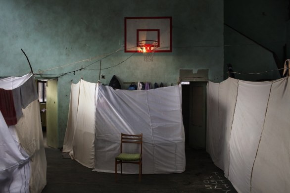 02 1 alessandro penso italy onoff picture temporary accommodation for syrian refugees sofia bulgaria november world press photo of the year 2013 WORLD PRESS  PHOTO 2014   fino all 8 Giugno in mostra a Milano