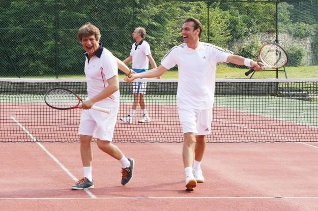 fabrizio bentivoglio e fabrizio gifuni giocano a tennis e1404292972878 IL CAPITALE UMANO   Il cinismo del nuovo film di Virzì