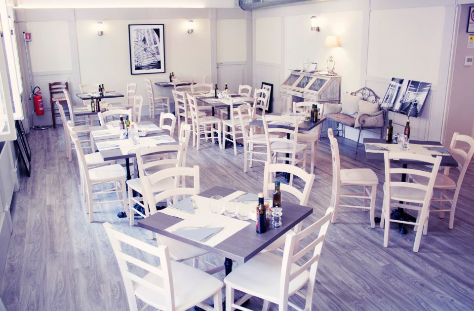 Blanche bistrot un tocco francese a chinatown for Arredamento bistrot