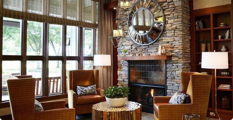 lobbylivingroom e1411382743478 HOTEL HIPSTER