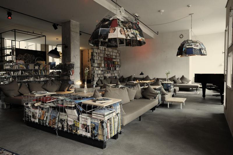 Michelberger Hotel Library e1417517666835 Bibliothèque hotel