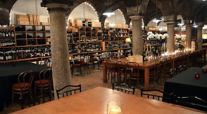 original n ombra de vin aperitivi milanp DA ISOLA A BRERA PASSANDO PER LO SKYLINE