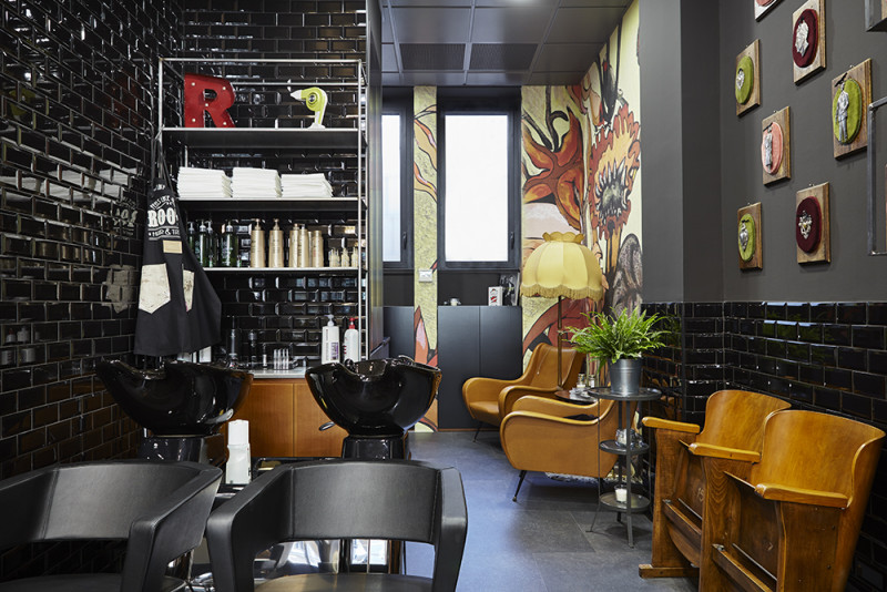 Roots milano tattoo shop hair dresser for Arredamento salone parrucchiere