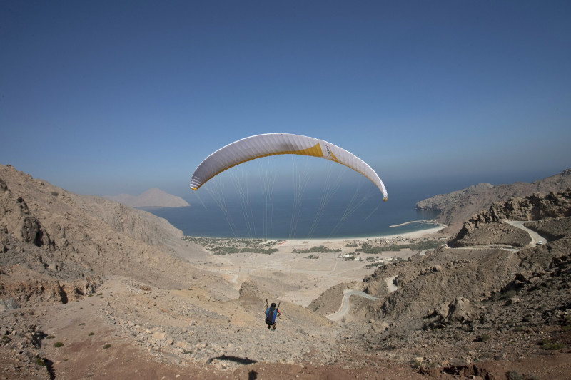 Six Senses Zighy Bay Oman Arrivo in parapendio e1445597069879 10 HOTEL INCREDIBILI