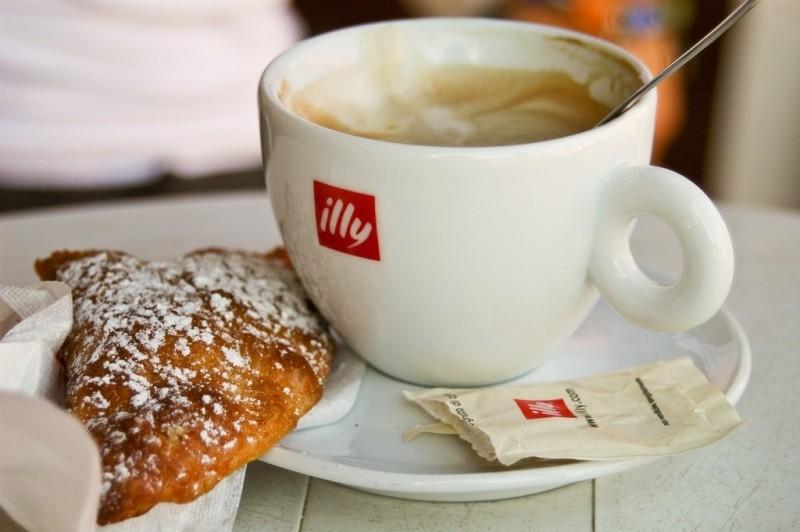 %name ILLY CAFFè