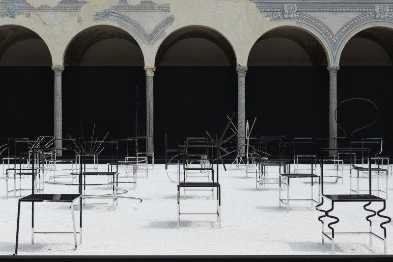 nendo chairs 1 2 e1460987497561 MILANO DESIGN WEEK 2016