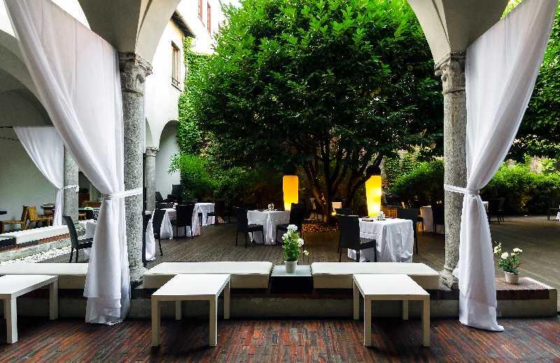 I Chiostri di San Barnaba Milano Location Eventi Chiostro delle Statue 01 MANGIARE ALLAPERTO A MILANO