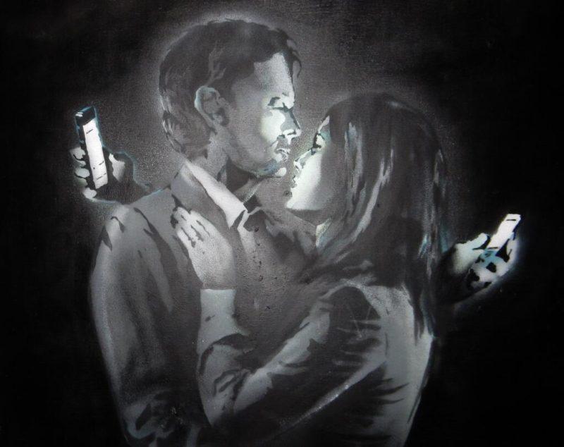 Bansky Mobile phone lovers e1468847506500 PHUBBING