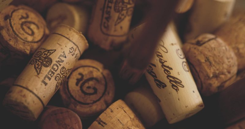 Tappi vino1 e1483049398488 Colorificio Cesariano